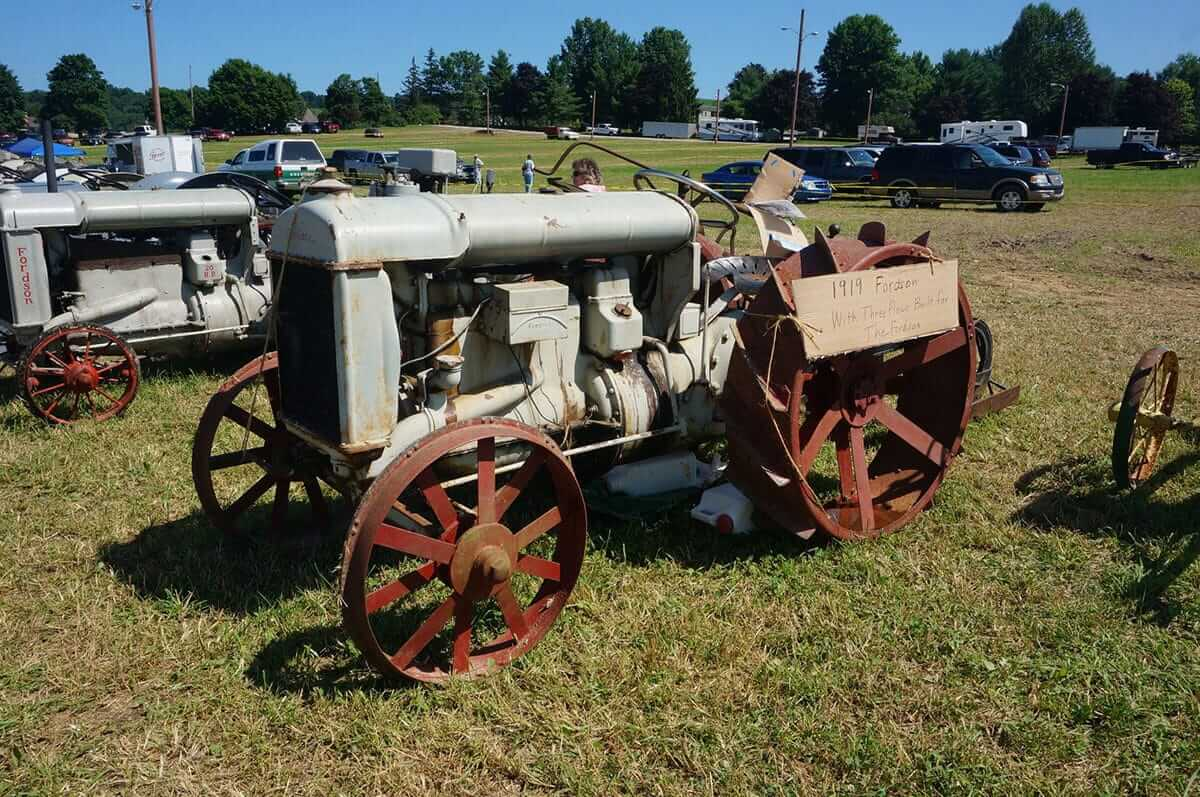 2019-tractor-and-banquet-00094